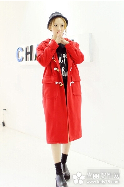 大红色呢子大衣搭配图片 新年穿新衣4
