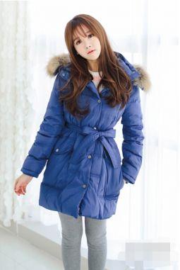 冬日羽绒服和棉衣外套搭配 一件毛衣就搞定