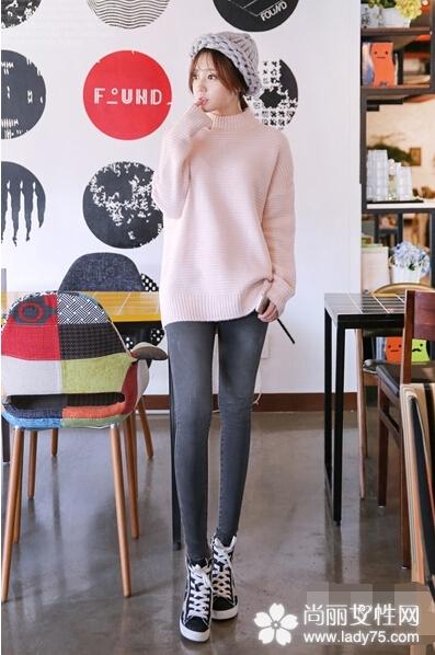 甜美毛衣搭配图片 轻松穿出迷人气质1