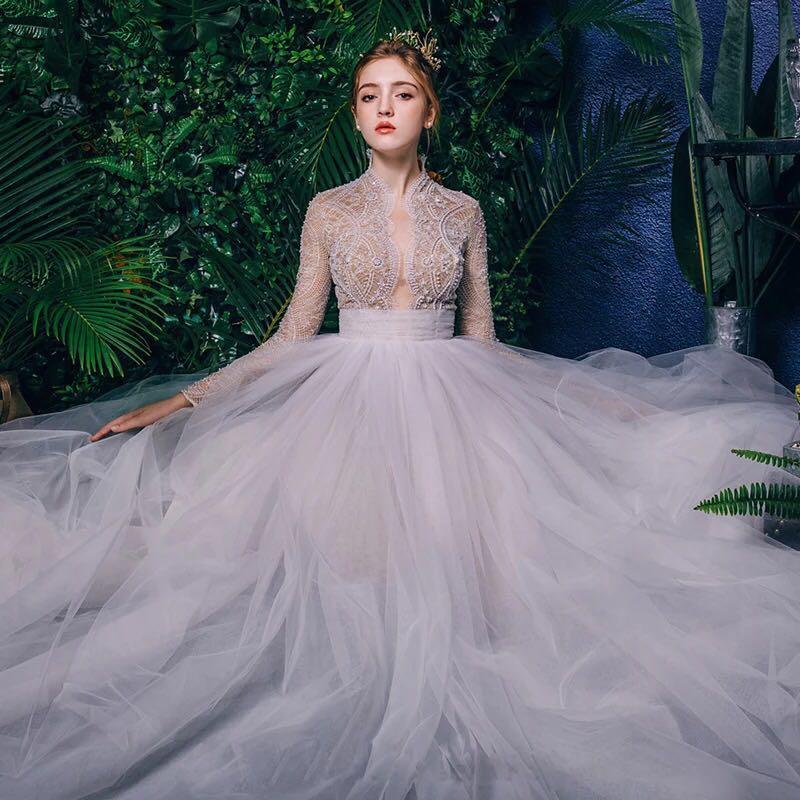 女孩一生中最美的时刻应该就是穿婚纱的那刻吧