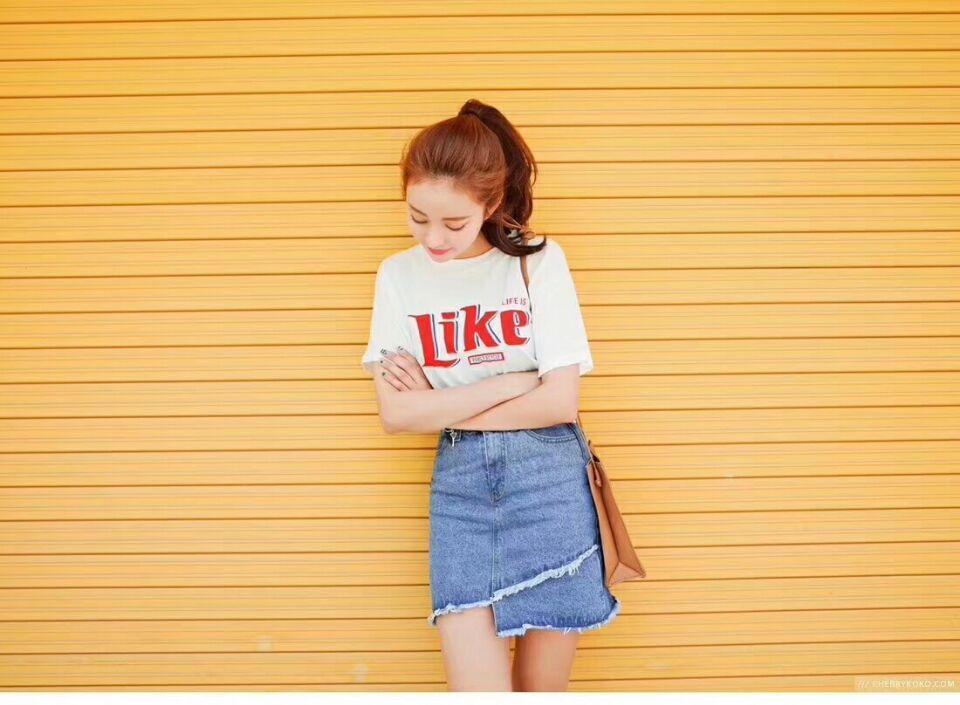 经典百搭白色T恤简单大方又显青春年少