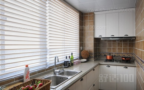 厨房挂窗帘的优势介绍