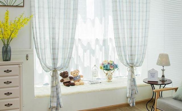 卧室窗帘适合什么颜色 一组图告诉你答案